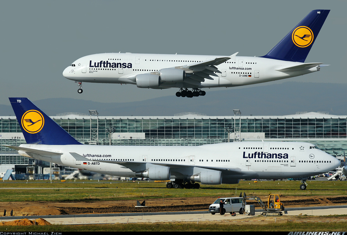 boeing v airbus Airbus has sold more than 1,000 aircraft in the first 11 months of this year, making the european aerospace giant more or less a lock to win its annual order competition with rival boeing (ba.