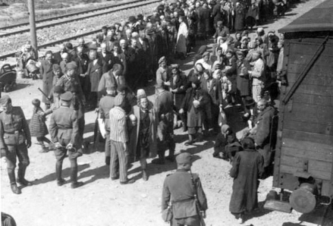 the horrors of the extermination camps during world war ii Start studying world history wwii the joint declaration issued by roosevelt and churchill during world war ii why did the germans build extermination camps.