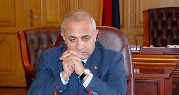 Azerbaycan'ın Karabağ Zaferleri ve ülkede yaşanan krizler Ermenistan Başbakanını istifa ettirdi.