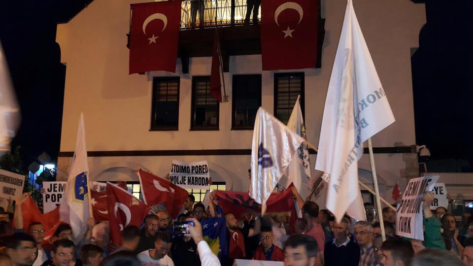 Türkiye'nin Prizren Başkonsolosluğuna yapılan çirkin Saldırı Protesto edildi