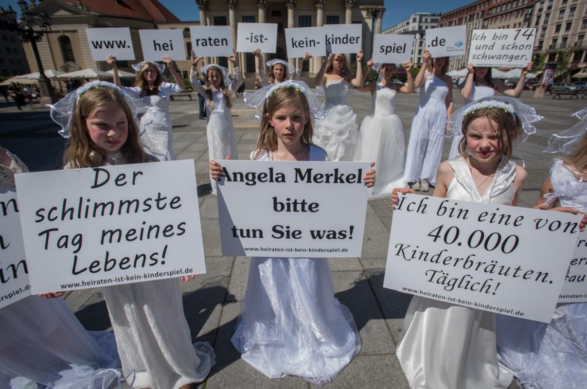 Almanya 18 Yaş Altı Evlilikleri Yasakladı